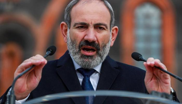 Pashinyan apologizes to Armenian people