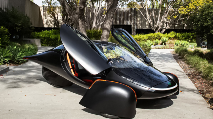 El primer auto eléctrico alimentado por energía solar se prepara para la producción masiva