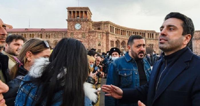 Los partidarios de Kocharián organizaron una protesta