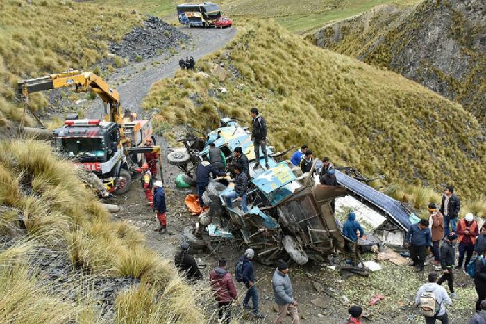 Boliviyada avtobus qəzası:    21 nəfər ölüb