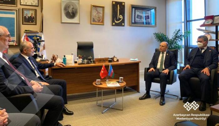 Anar Karimov se reunió con el asesor de Erdogan