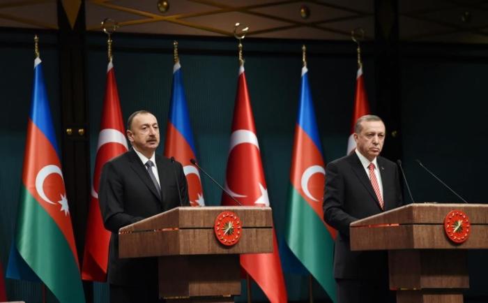 Ilham Aliyev drückte Erdogan sein Beileid aus