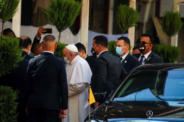 Pope Francis holds historic meeting with top Shiite cleric in Iraq