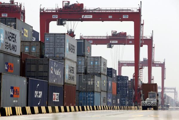 El comercio internacional chino crece un 32,2 % interanual en enero y febrero