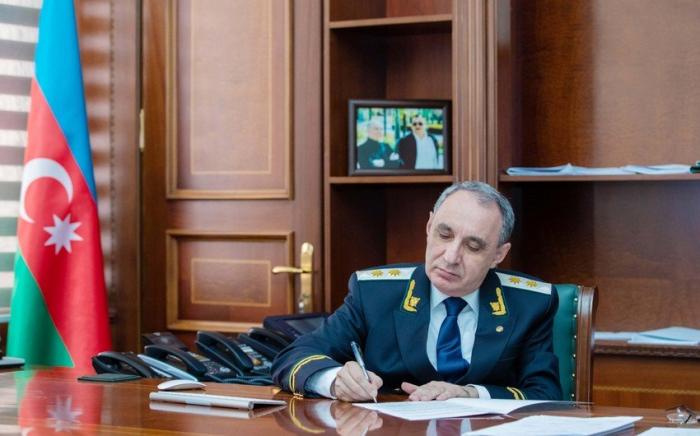 El Fiscal General felicita a las mujeres azerbaiyanas