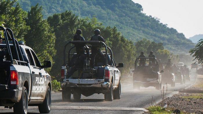 13 Mexico police killed in ambush