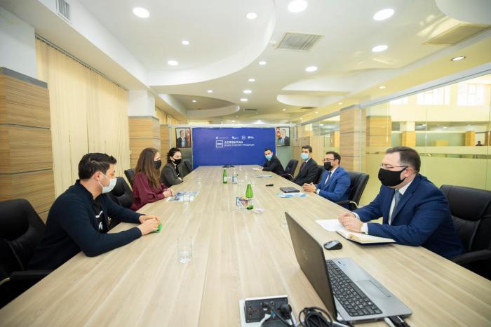 """Ülvi Mehdiyev """"500 Startups"""" şirkətinin nümayəndəsi ilə görüşüb"""