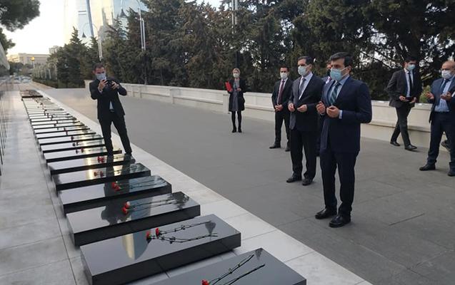 Turkey's Baykar CTO Selcuk Bayraktar arrives in Azerbaijan -   PHOTO