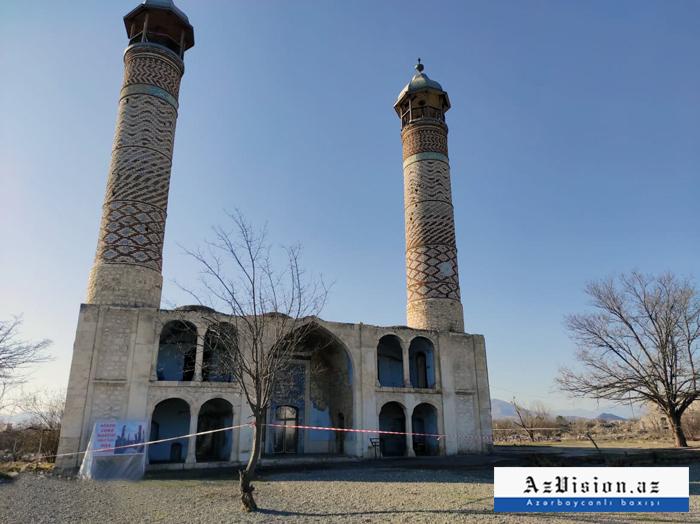 Heads of polital parties visit the Aghdam Juma Mosque