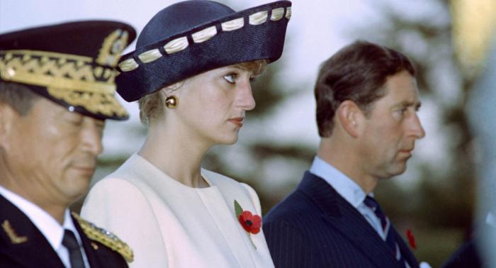 خاتم خطبة الأميرة ديانا لا يحظى برضا العائلة المالكة