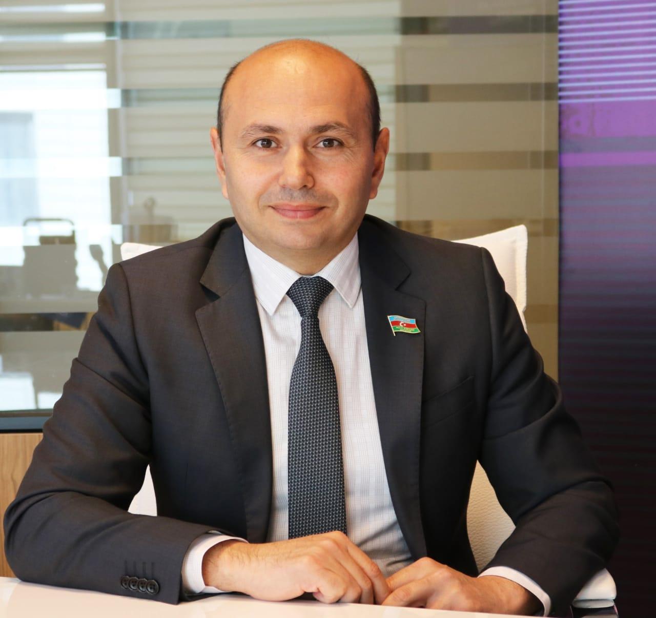 YAP-ın tarixində yeni mərhələ  -    Elşad Mirbəşiroğlunun yazısı