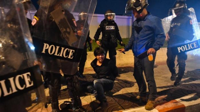 Polizei geht in Bangkok gegen Demonstrierende vor