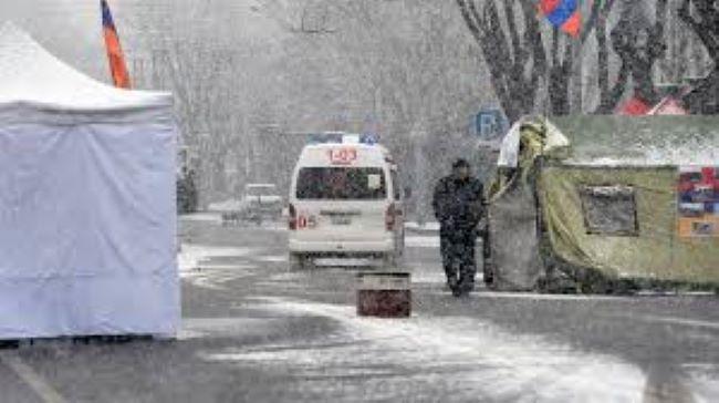 İrəvanda etirazçılar 5 gündür çadırda gecələyir