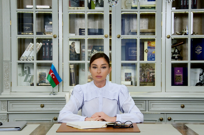 Mehriban Aliyeva es nombrada la primera vicepresidenta del YAP