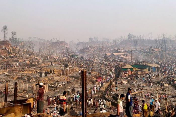 U.N. says  15 dead, 400 missing  in Rohingya camp fire