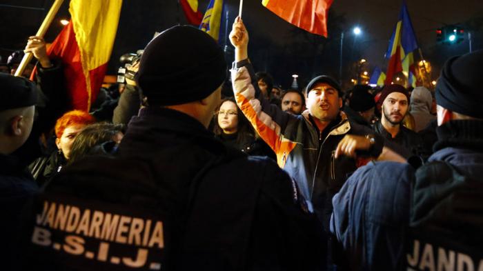 Rumıniyada etiraz aksiyaları:  200 nəfər saxlanıldı