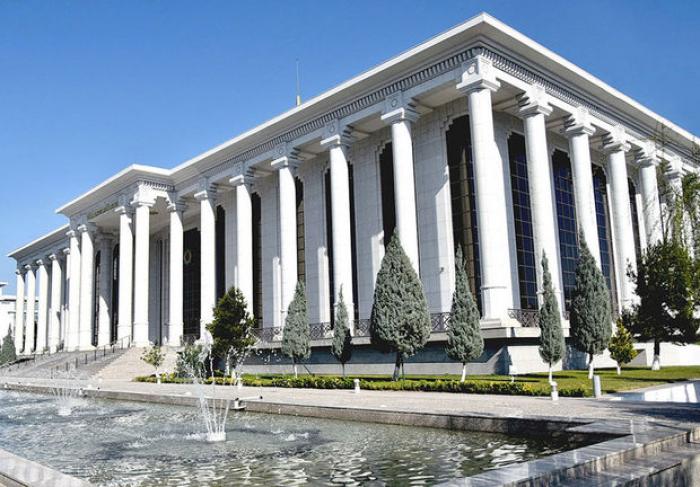 Türkmənistan parlamentinin yuxarı palatasına ilk seçkilər keçirilir
