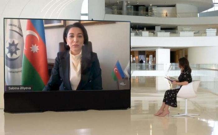 """Ombudsman """"Fərqli Fərdlər"""" Konqresində çıxış edib"""
