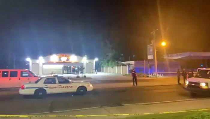 5 shot in Louisiana as Texas hunts suspect in fatal shooting of 3