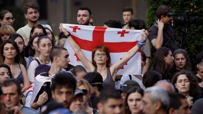 Gürcüstan əhalisinin sayı azalıb