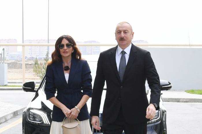 الرئيس الأذربيجاني والسيدة الأولى في حفل إطلاق أعمال إعادة البناء والترميم في بلدة بيرشاغي