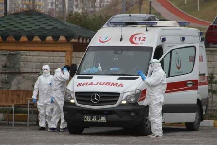 Türkiyədə daha 343 nəfər koronavirusdan öldü