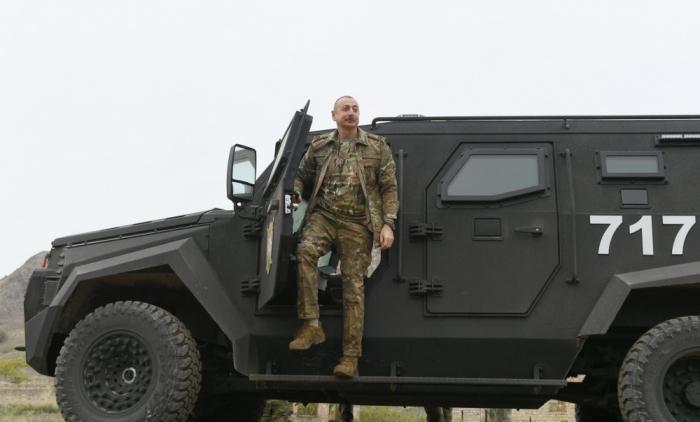 Prezident Qarabağda yeni hərbi texnikalarla tanış oldu -   VİDEO