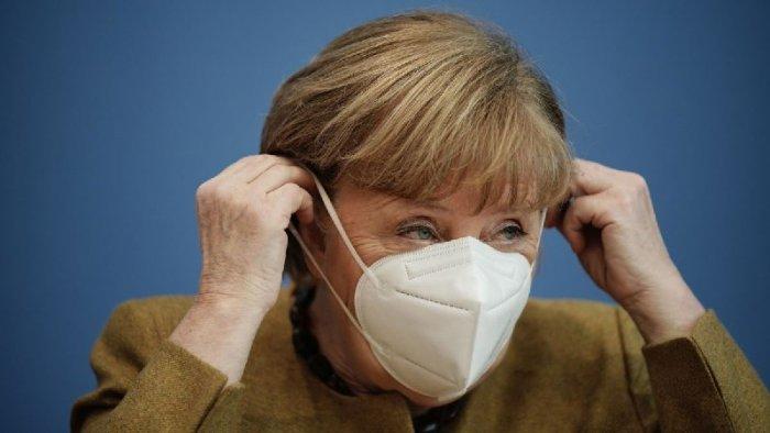 Merkel peyvənddən niyə imtina edib?