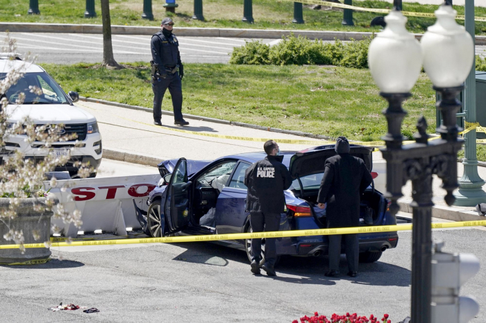 Police officer dies after vehicle rams US Capitol - UPDATED