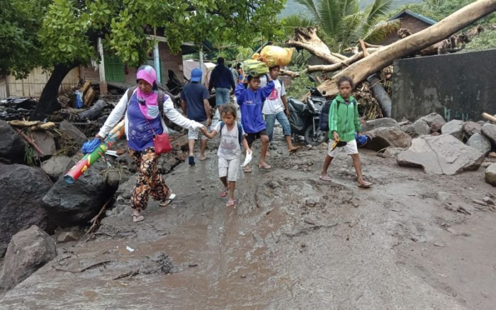 Death toll from Indonesia floods exceeds 150