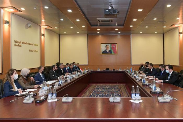 الوزير يلتقي وفدا من مجلس النواب العراقي - صور