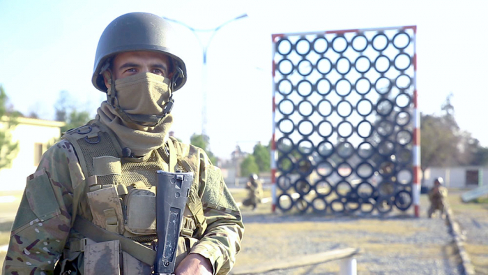 Aserbaidschanisches Verteidigungsministerium führt Kampftrainingskurse mit Aufklärungseinheiten durch -   VIDEO