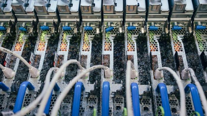 Microsoft kühlt Server in kochender Flüssigkeit
