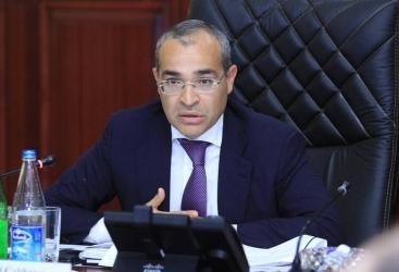 """Ministro de Economía:   """"Los pagos sociales superaron las previsiones en 107 millones de manats en el primer trimestre"""