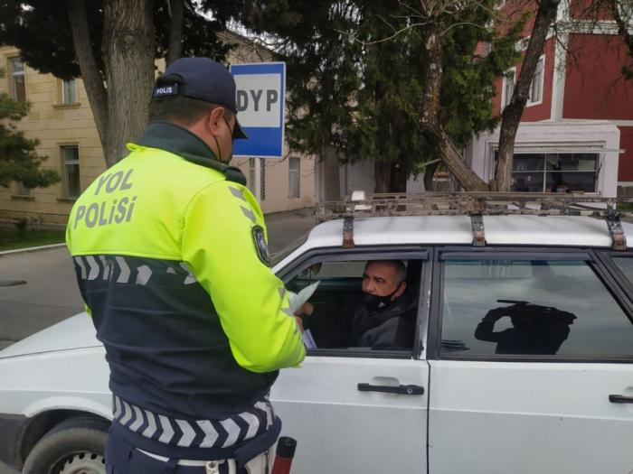 Qaxda yol polisi  -