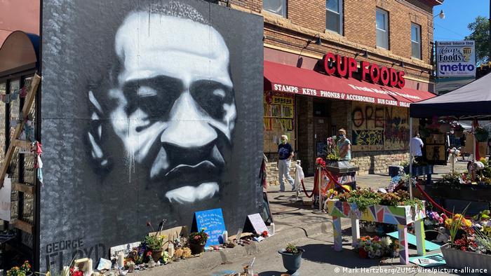 Police restraint killed George Floyd, expert says