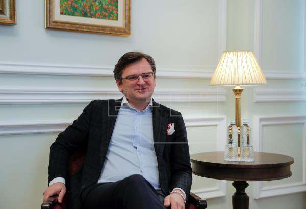 Kuleba:   Ucrania no quiere guerra con Rusia, pero está lista para defenderse