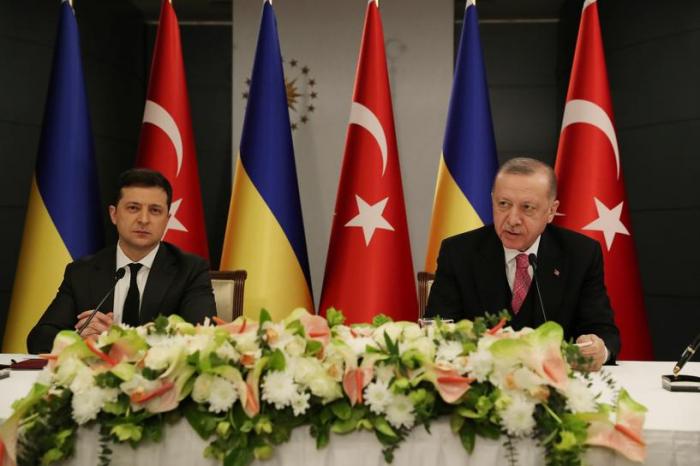 Erdogan calls for end to recent developments in eastern Ukraine, offers support