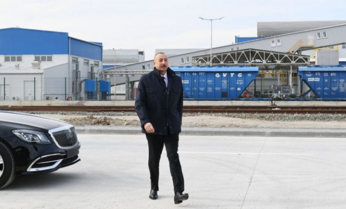 Präsident Ilham Aliyev eröffnet den Kriegstrophäen-Park in Baku