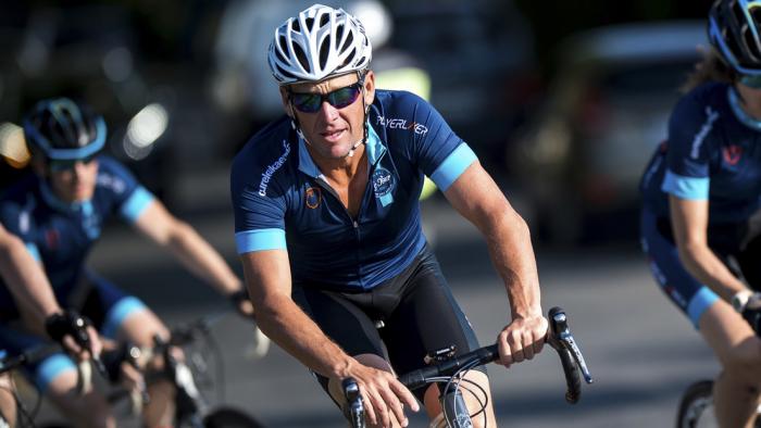 """""""Es la mayor estafa"""": acusan a Lance Armstrong de usar un motor en su bicicleta y un video lo dejaría en evidencia"""