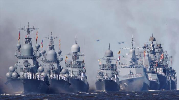 Rusia despliega buques de guerra cerca de fronteras con Ucrania