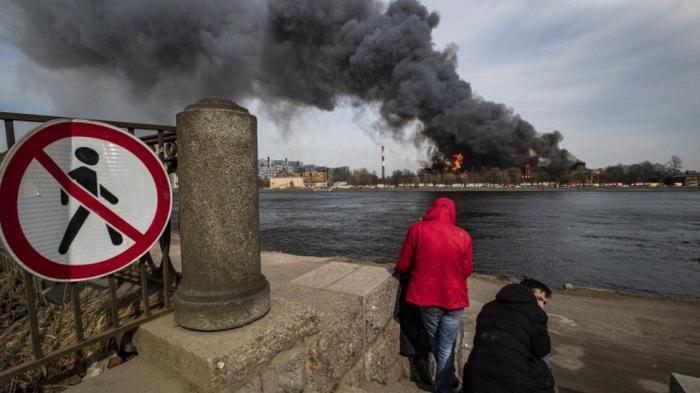 Blaze devastates historic plant in St Petersburg -   VIDEO