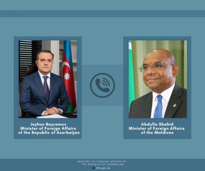 Azerbaijani, Maldives FMs discuss issues mutual interest.