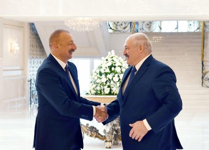 """""""Münasibətlərimiz əladır, heç kəs bizə mane ola bilməz"""" -    Lukaşenko"""