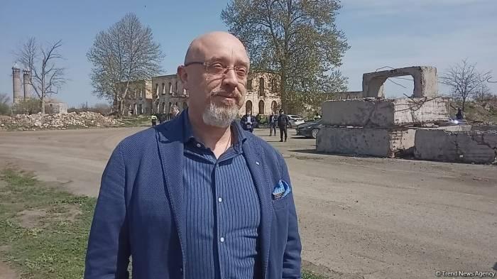 Le vice-Premier ministre ukrainien Reznikov effectue une visite à Aghdam