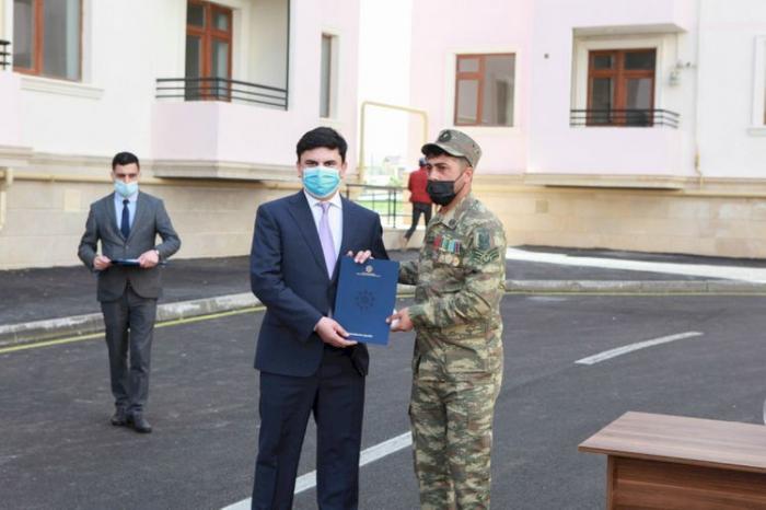 30 autres familles de martyrs etd'invalides de guerre ont reçu des appartements -  PHOTOS
