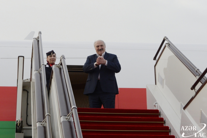 Lukaschenko schließt Arbeitsbesuch in Aserbaidschan ab
