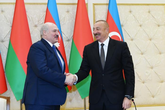 Lukashenko:  Belarús ve con buenos ojos el acuerdo sobre el cese total de acciones militares en Nagorno Karabaj