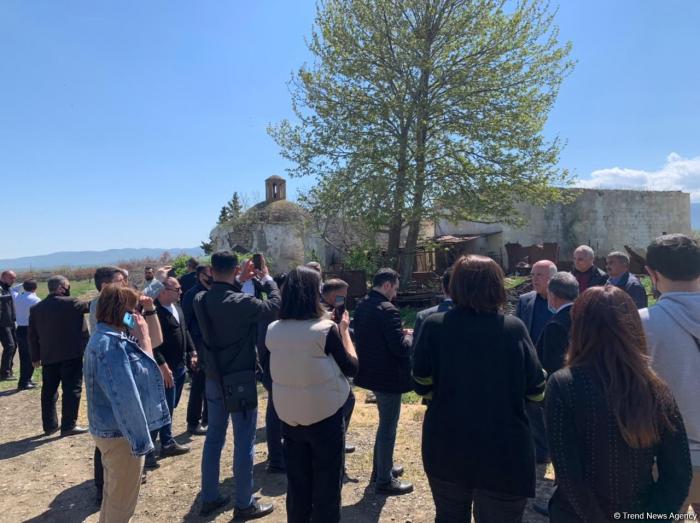 Medienvertreter besuchen Agdam