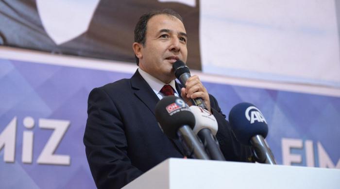 El recién designado embajador turco arriba a Bakú